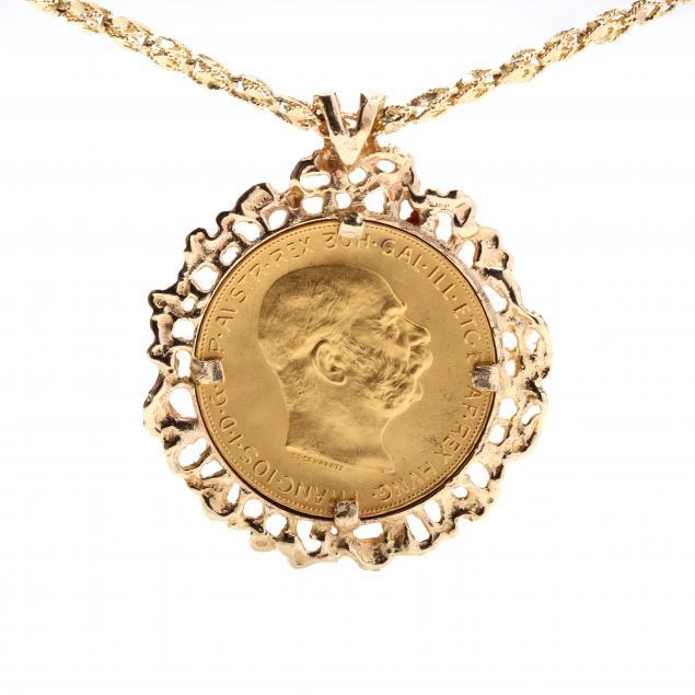coin-pendant-necklace