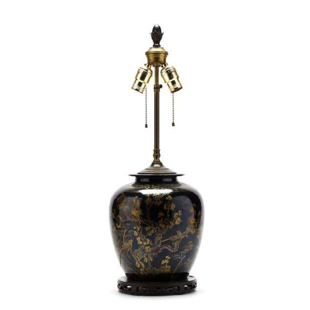 antique-chinese-porcelain-table-lamp