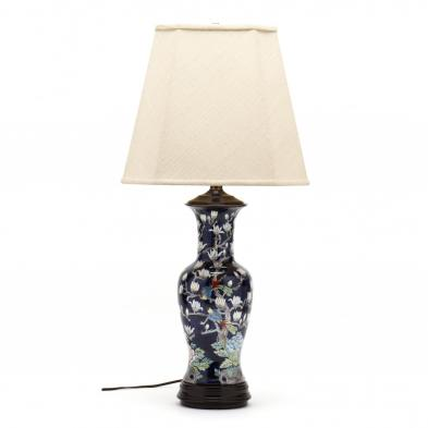 a-chinese-export-porcelain-style-table-lamp