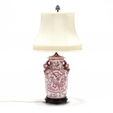 a-chinese-export-style-porcelain-table-lamp