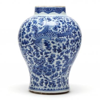 a-large-chinese-blue-and-white-porcelain-jar-with-phoenixes