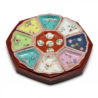 an-antique-chinese-sweet-meat-porcelain-set-in-lacquer-case