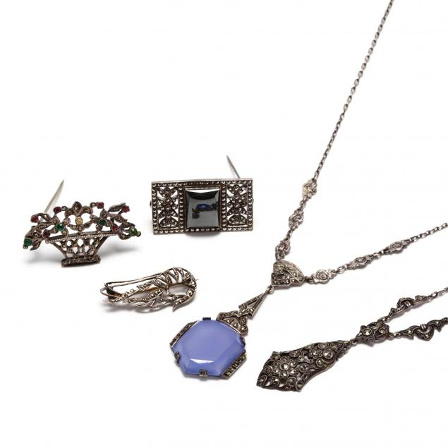 group-of-vintage-silver-and-gemstone-jewelry-items
