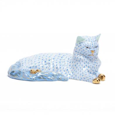 herend-porcelain-relaxed-blue-cat