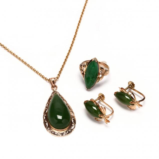 three-14kt-gold-and-jade-items