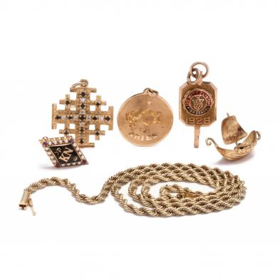 six-gold-jewelry-items