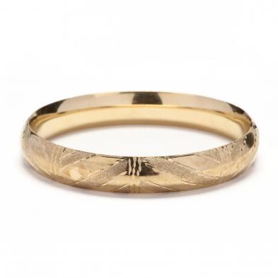 gold-bangle-bracelet