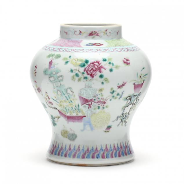 a-chinese-qing-dynasty-porcelain-vase