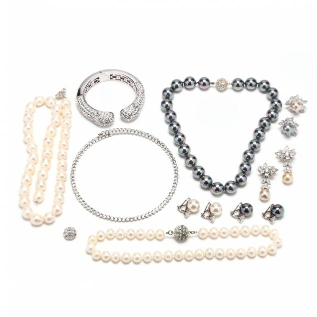 group-of-costume-jewelry
