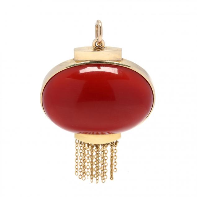14kt-gold-and-coral-pendant