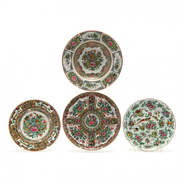 four-pieces-of-chinese-export-porcelain-with-butterfly-decoration