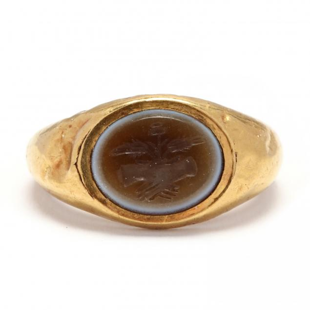 roman-gold-ring-with-clasped-hands-intaglio