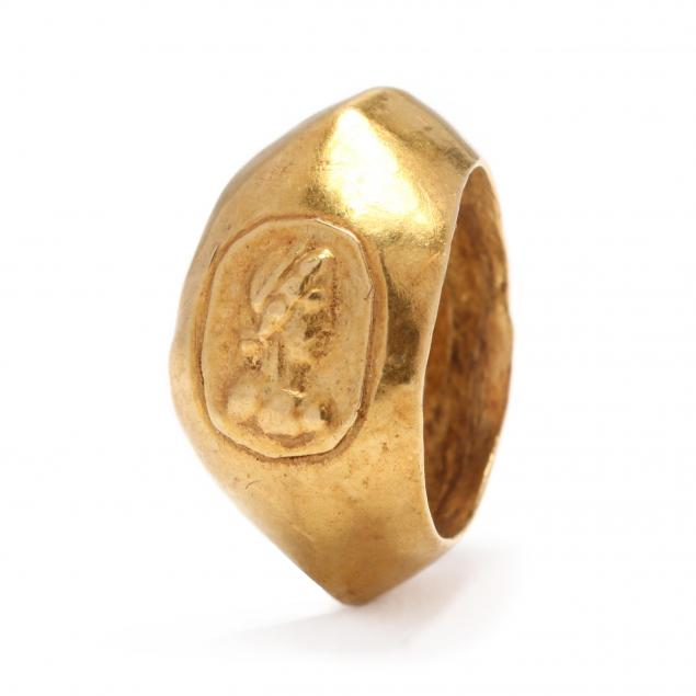 roman-gold-ring-with-profile-of-an-empress-possibly-plotina