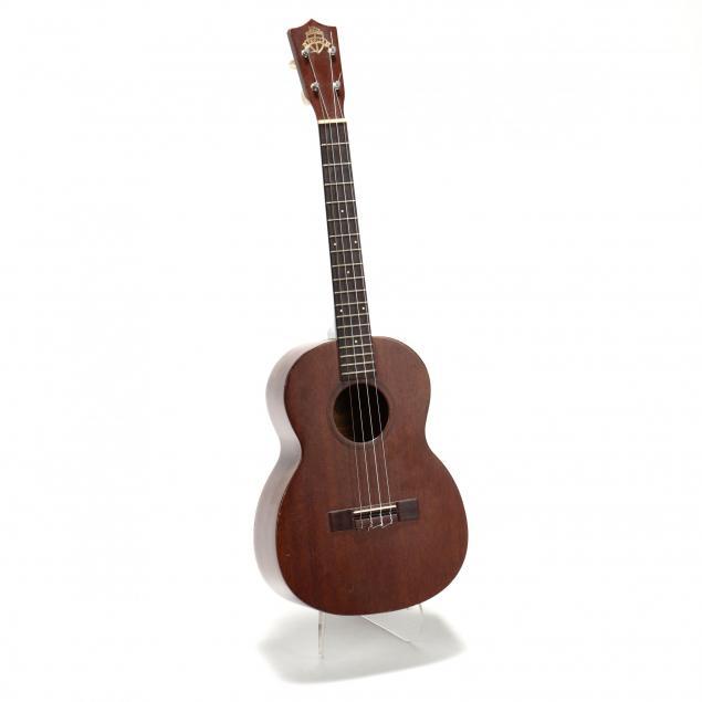 vintage-favilla-b-2-baritone-ukulele
