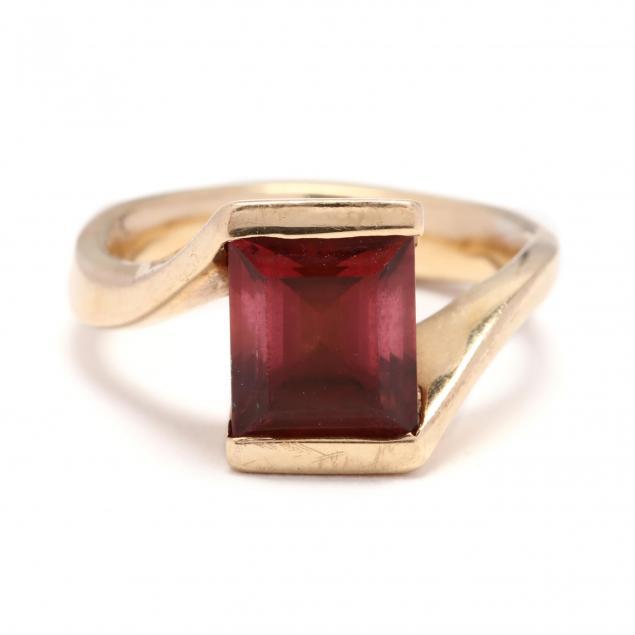 gold-pink-tourmaline-and-diamond-ring