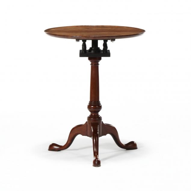 philadelphia-queen-anne-figured-walnut-tilt-top-dish-top-candle-stand