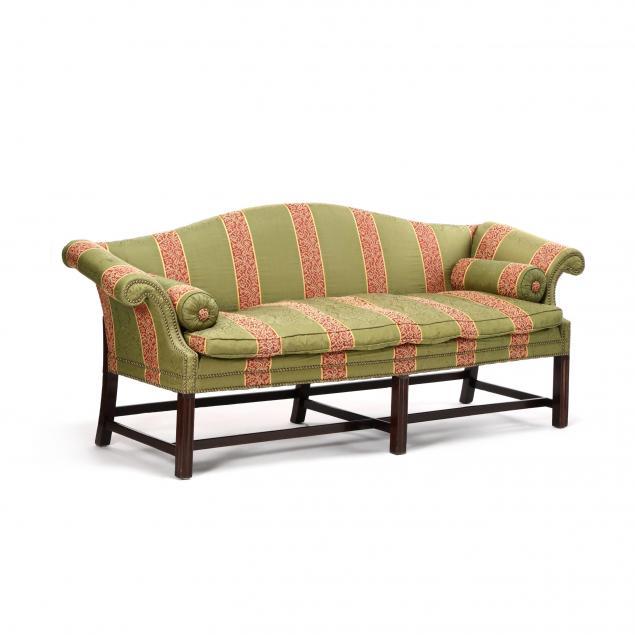 philadelphia-chippendale-mahogany-camelback-sofa