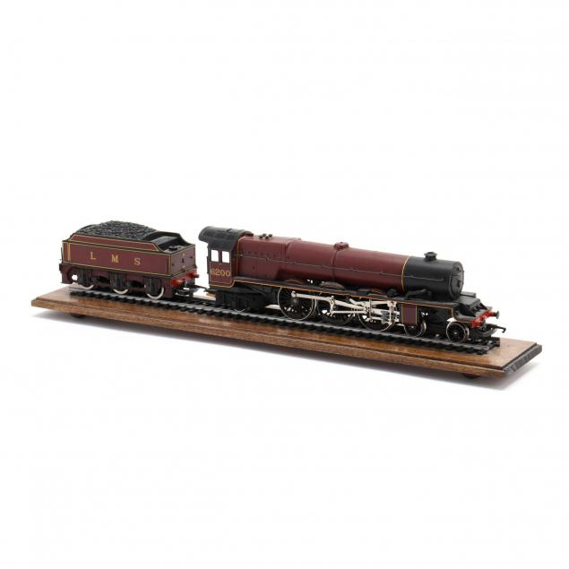 hornby-princess-royal-engine-and-car