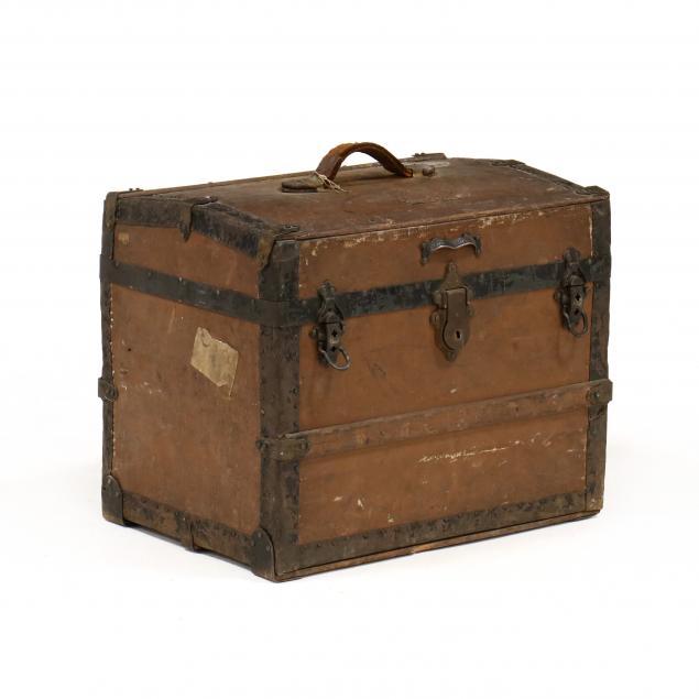 annie-wattt-s-antique-diminutive-dome-top-trunk