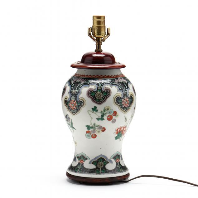 a-chinese-kangxi-style-porcelain-vase-lamp