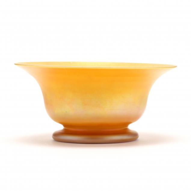 quezal-gold-irredescent-glass-bowl