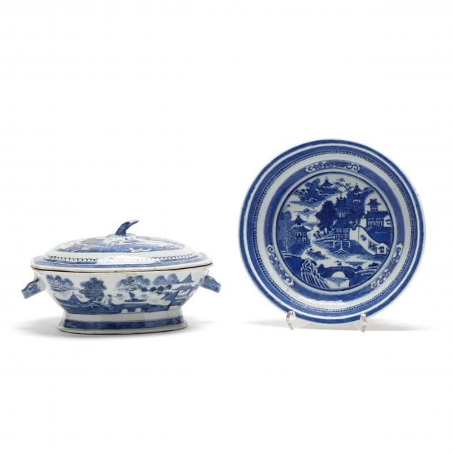 two-pieces-of-chinese-export-porcelain-blue-canton