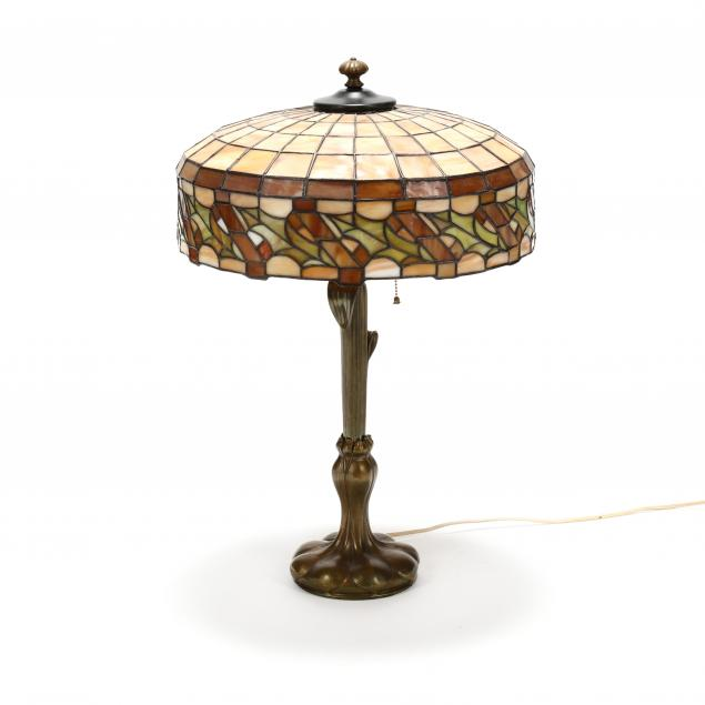 art-nouveau-stained-glass-table-lamp