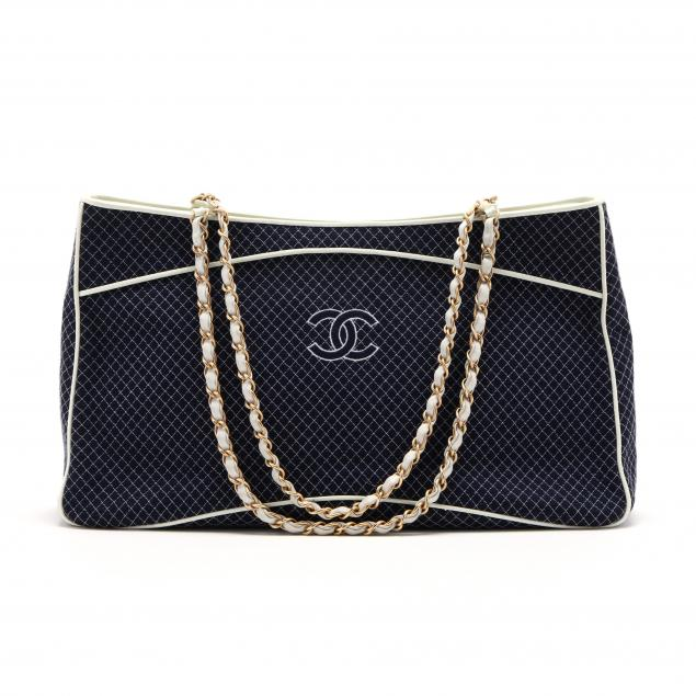 limited-edition-tote-chanel