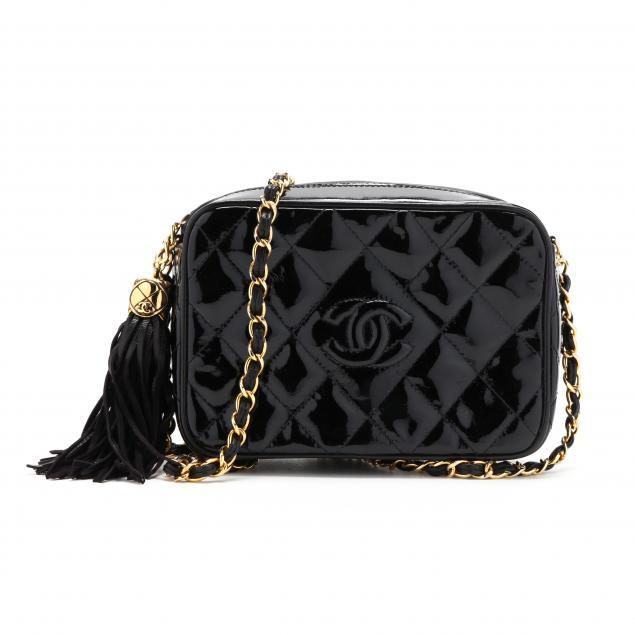 vintage-black-patent-camera-bag-chanel
