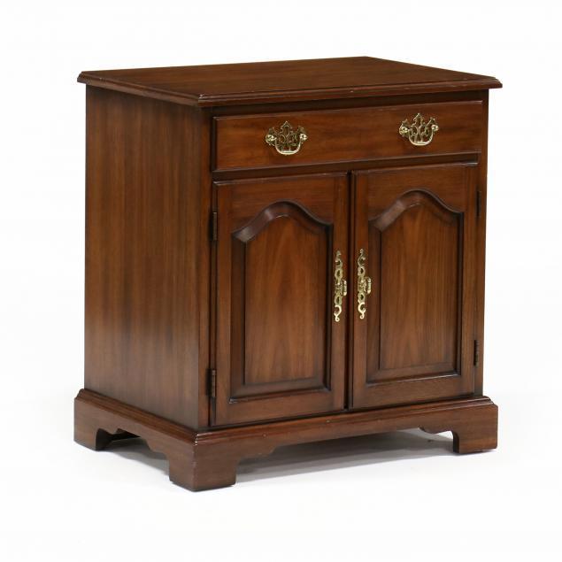 henkel-harris-chippendale-style-walnut-bedside-chest