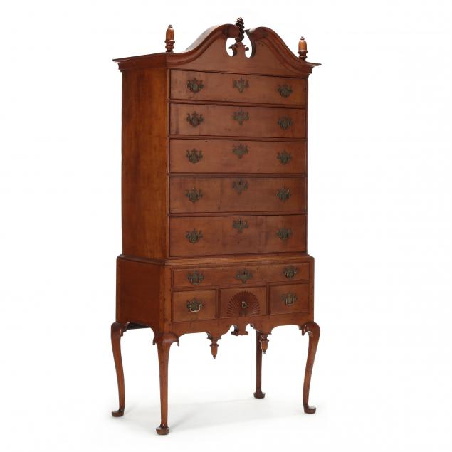 massachusetts-queen-anne-carved-maple-highboy