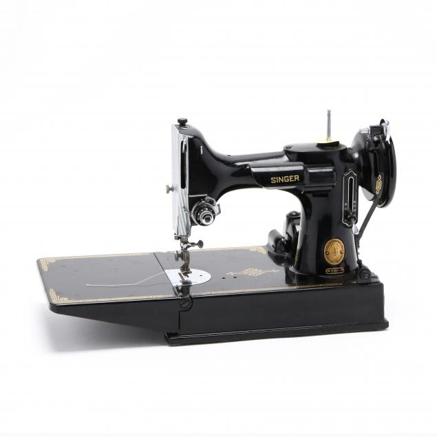 vintage-singer-featherweight-sewing-machine
