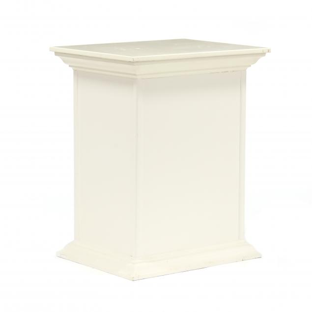 contemporary-painted-pedestal