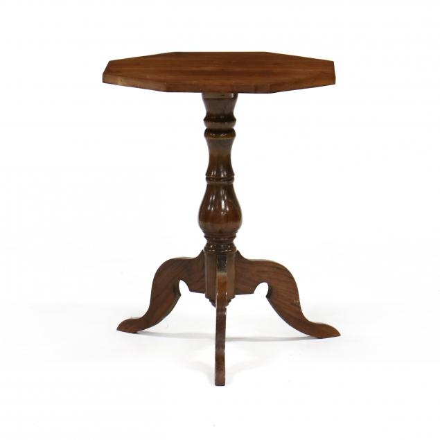 southern-walnut-candle-stand