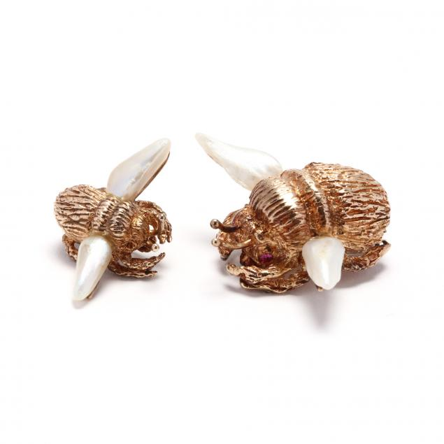 two-vintage-14kt-gold-and-pearl-bee-brooches-ruser