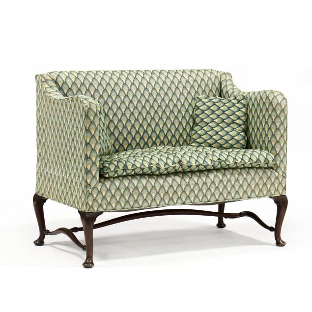 queen-anne-style-settee