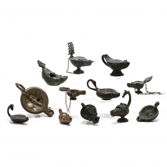 twelve-roman-style-brass-toned-oil-lamps