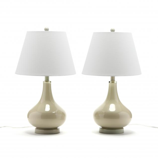 safavieh-pair-of-modern-glass-table-lamps