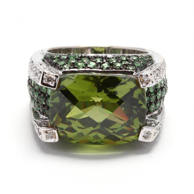 18kt-white-gold-green-garnet-and-diamond-ring