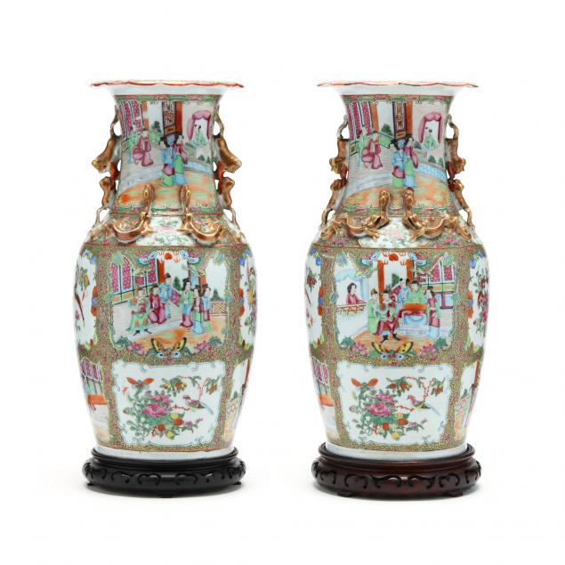 a-pair-of-large-chinese-rose-medallion-vases