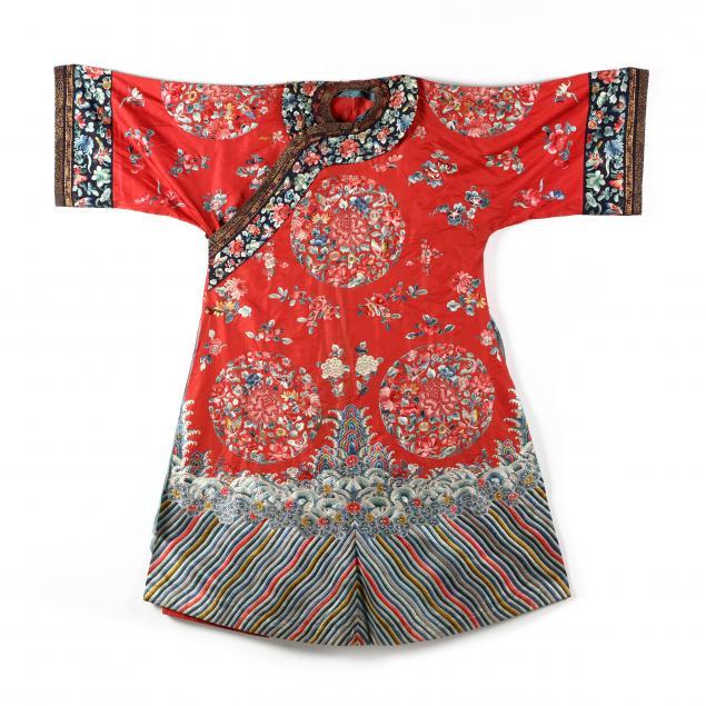 a-chinese-red-ground-silk-manchu-woman-s-wedding-robe