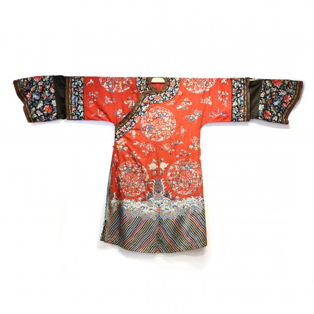 a-chinese-red-ground-silk-manchu-woman-s-wedding-robe