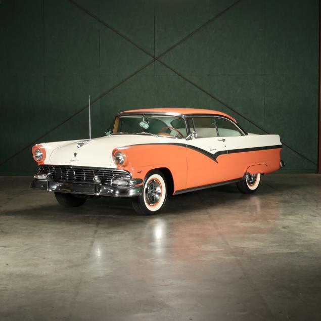 1956-ford-fairlane-victoria