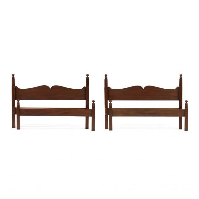 kittinger-williamsburg-adaptation-pair-of-mahogany-full-size-beds