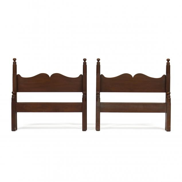 kittinger-williamsburg-restoration-pair-of-twin-size-beds