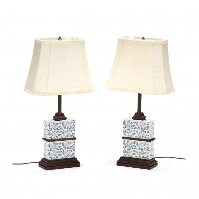 knob-creek-pair-of-delft-tulip-vase-table-lamps