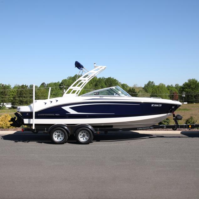 2015-chaparral-21h20-deluxe-ski-boat-with-trailer