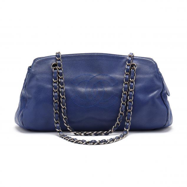 vintage-chanel-pebbled-leather-shoulder-bag