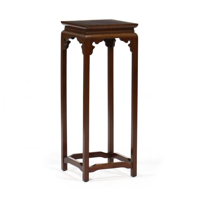 chinese-style-mahogany-tall-stand
