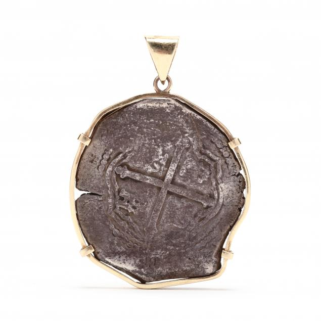 spanish-colonial-silver-8-reales-cob-coin-set-as-pendant-in-14kt-gold-bezel
